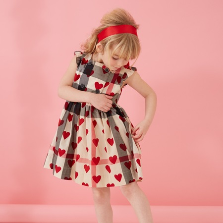 burberry-baby-girls-checked-cotton-dress-with-red-hearts-バーバリーチルドレン_ベビー_女の子_ハート_ドレス_ワンピース_2016